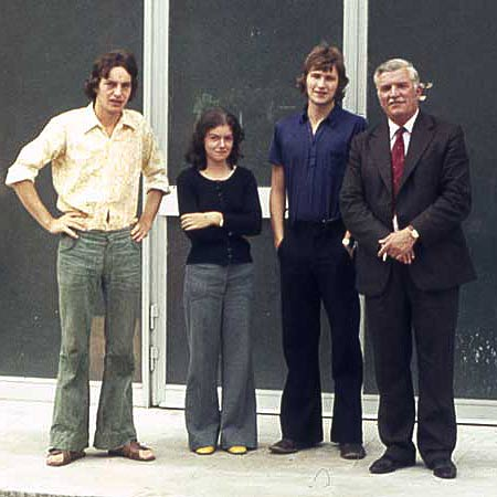 Ollis outside the Paris studio alongside his Father (far right) who had arrived just from Britain with a suitcase full of tea. Fellow RCA student Jim Hunter (far left) is alongside Marie Lane.